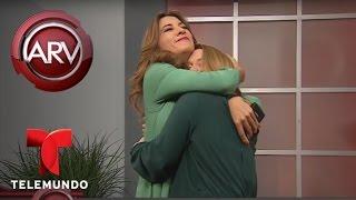 Algo extraño sucede durante entrevista a Adamari López | Al Rojo Vivo | Telemundo