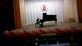 """Бах Трехголосная инвенция a-moll, Гигевич """"Василиса Прекрасная"""",исполняет Анна Томина,9 лет."""