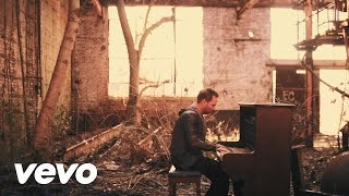 Watch Chris Tomlin I Lift My Hands video