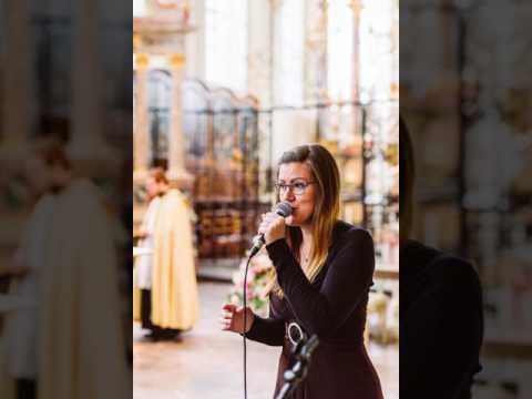 Daniela Dornhof - Sängerin und Rednerin