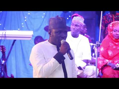 Download APONLE ANOBI PRAISE  HIS FATHER ALH. MUYIDEEN BELLO