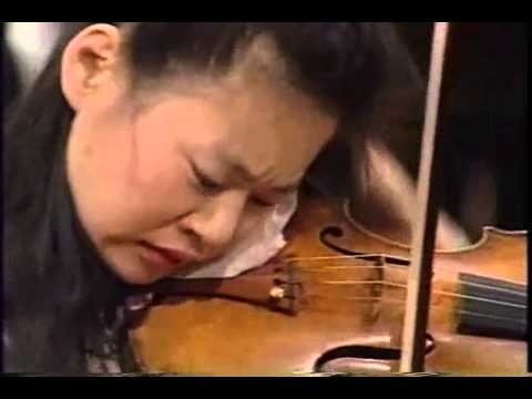 Midori Goto plays Tchaikovsky Violin Concerto 1stMovement part3