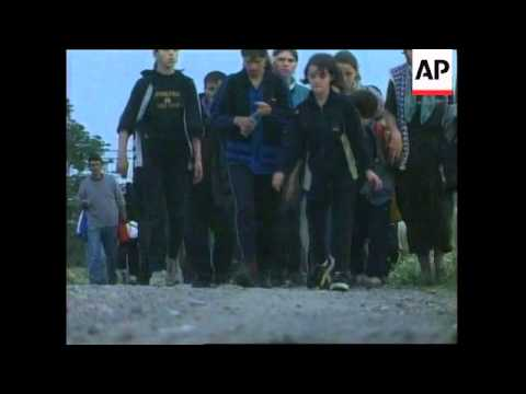 300 ethnic Albanian civilians fled villages in line of Macedonian offensive