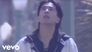 Music video by 德永英明 performing 夢を信じて. (C) 2002 UNIVERSAL S...