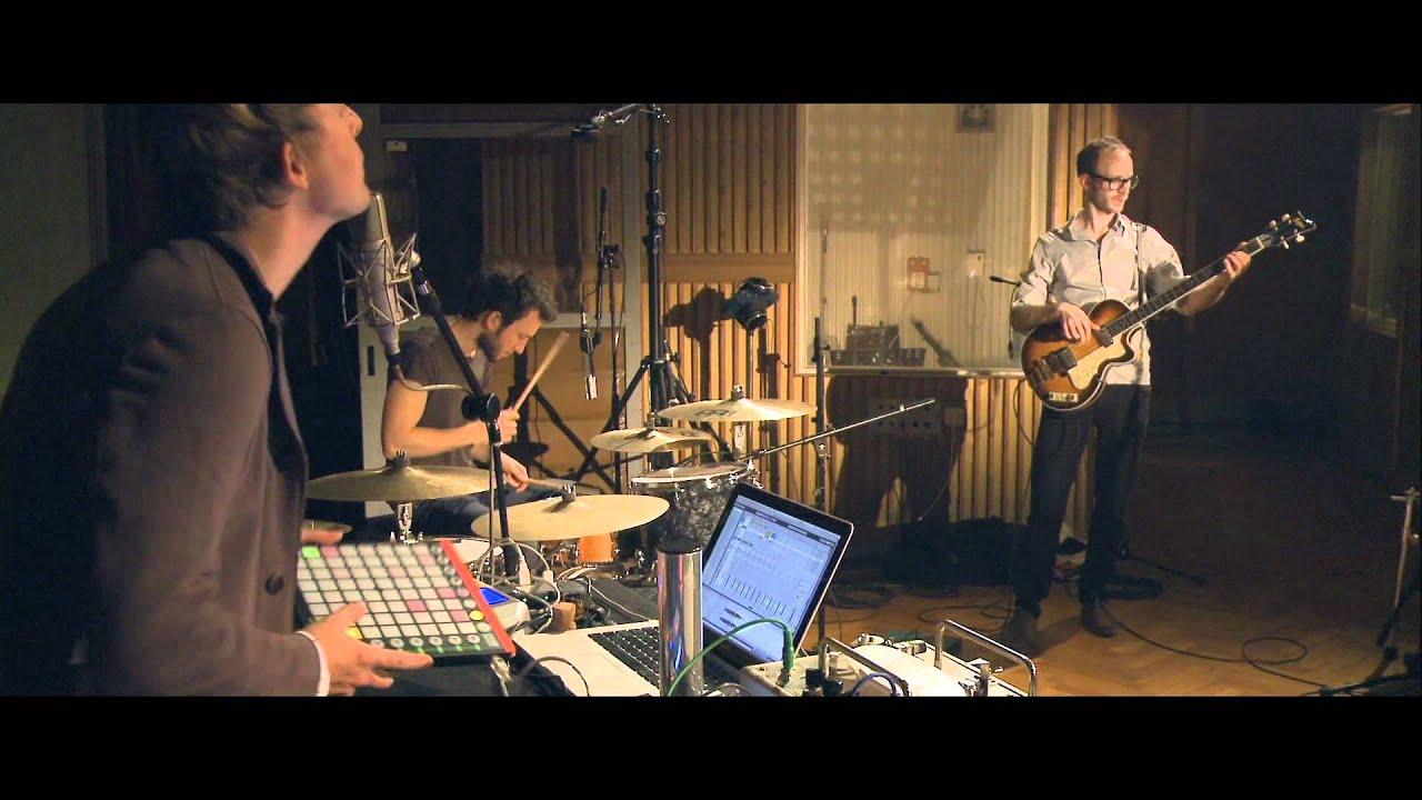 jazzanova-let-it-go-funkhaus-sessions-official-video-jazzanovachannel