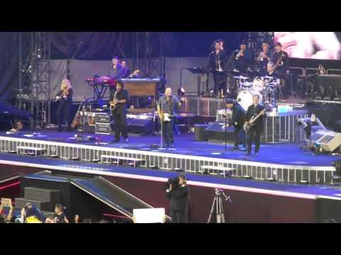 Bruce Springsteen  Dancing In The Dark End w Maureen Van Zandt  NJ3  92212  2.54