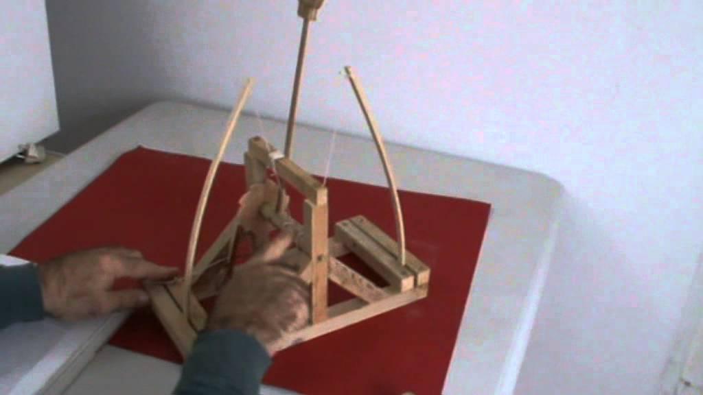Arahal catapulta de leonardo da vinci ramos youtube for Catapulta di leonardo da vinci