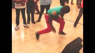 Kid Dancing to Capitol Trill
