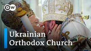 New Ukrainian Orthodox Church holds first Christmas mass in Kiev | DW News