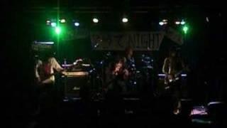 大阪でみつけたギャングの様な風体とCUTIEな一面を持ったヤ ツら、ロックバンド!!