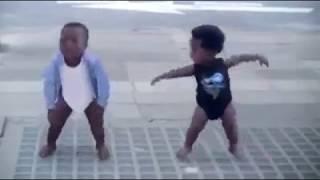 Dans eden bebekler reklamı :)