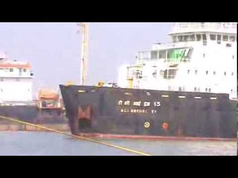 transition of container ships at cochin port