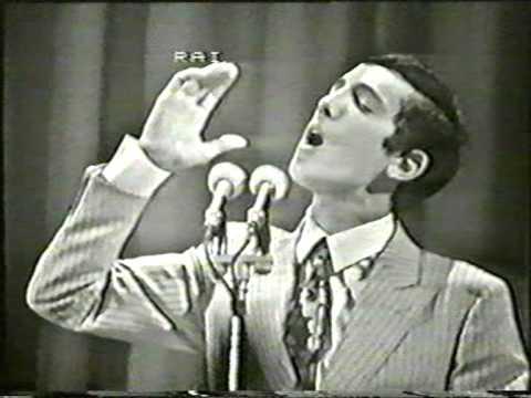 Antonio Buonomo - Guappetella . Live Festival di Napoli 1968 + Presentazione e Sigla finale