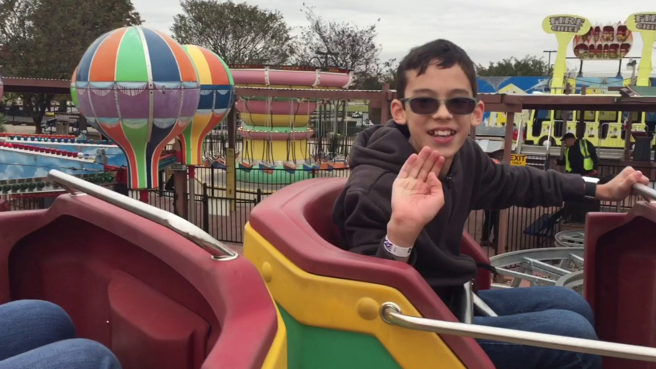 Austin S Park And Pizza Walkthrough Games Rides And Prizes