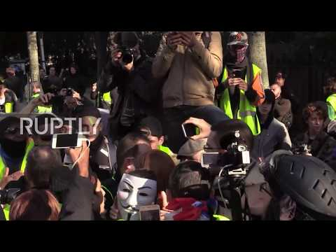 France: Yellow Vests protesters march through Paris