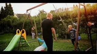 REVOLTA - Myslím / I think (Official music video CZ/EN)