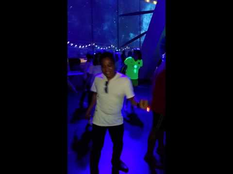 Quantum glowing party Ken Rush 12018384838