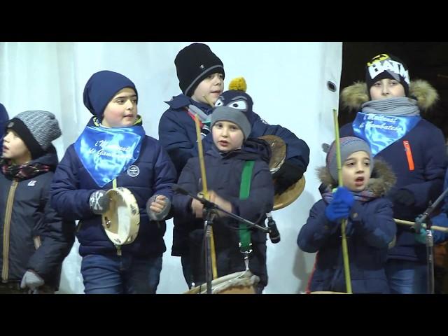Gambatesa 318^ edizione maitunat 1-1-2018: squadra i bambini della scuola de i maitunat
