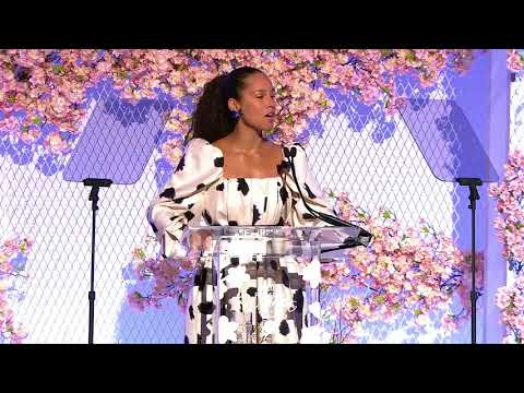 Alicia Keys to Grammy President: 'You Feel That Step Up Now?'