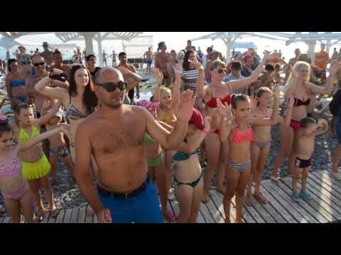Пенная вечеринка с клоуном Кешей. пляж \