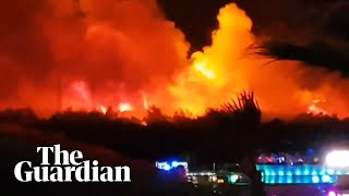 YouTube動画:Croatia music festival evacuated as fire breaks out