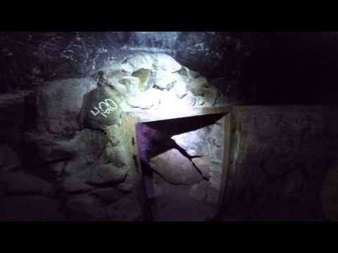 """Exploring around the """"Dungeon"""" in Joshua Tree National Park"""
