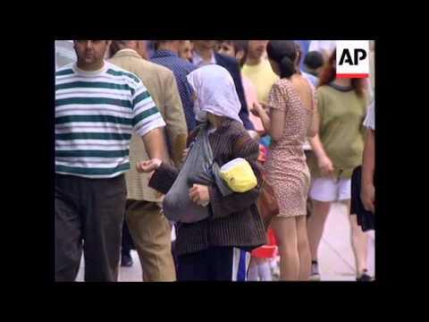 BOSNIA: SARAJEVO: REFUGEES TURN CAPITAL INTO GIANT RURAL VILLAGE