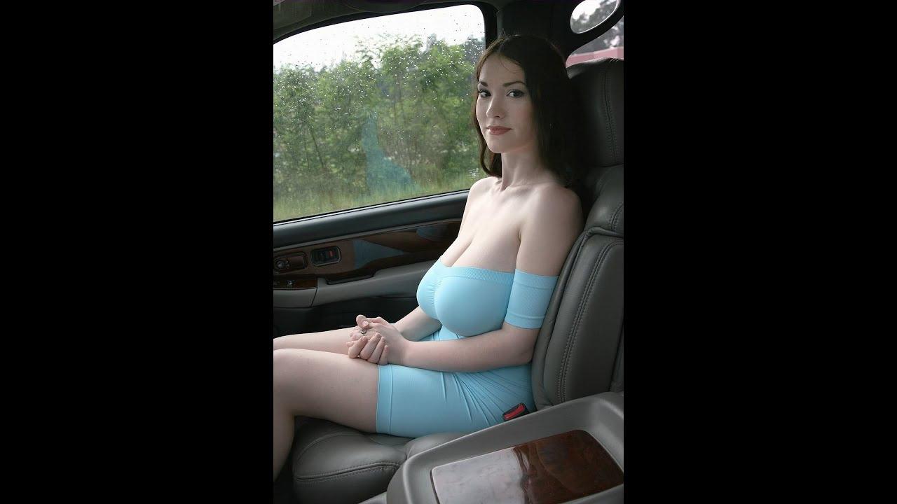 Mature slut flaunts her nice cleavage frees big saggy boob fucking photos