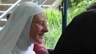 La profession temporaire de Sœur Marie Aimee de Jésus. Annonciade-Thiais.
