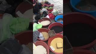 韓國役情日趨嚴重,經濟不景氣,韓國老人為生活所迫,被迫擺地攤維持生計。