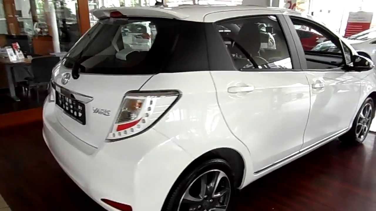2013 toyota yaris review exterior and interior youtube. Black Bedroom Furniture Sets. Home Design Ideas