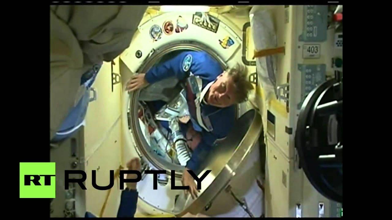 Экипаж корабля Союз TMA-16M перешел на МКС