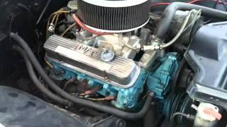 1966 Pontiac 2+2 421 idling