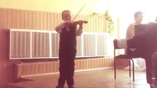 Школа Лысенко. Скрипка. Зинченко Миша - первый год обучения. 1