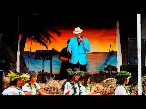 Jon  Lindsay..... Golden Sand of the Island