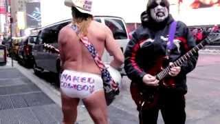 Black Metal Street Performer (Metal Grasshopper