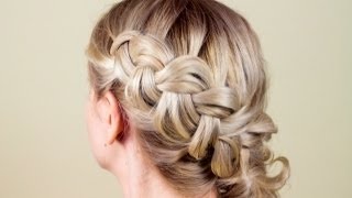 Причёска из косичек самой себе. Hairstyle on herself(Подписывайтесь на мой канал http://www.youtube.com/user/4OXYGENE Сделать вечернюю прическу самой себе не совсем просто,..., 2013-06-13T20:01:27.000Z)