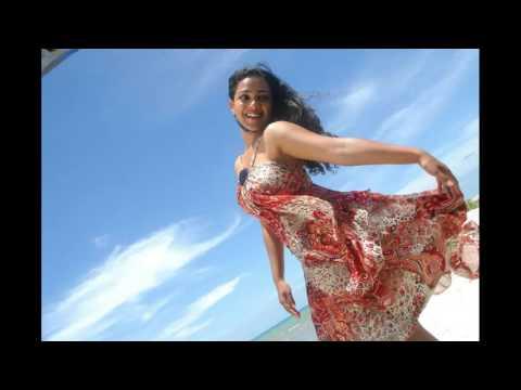 Nithya Menon Hot stills Boobs Exposing thumbnail