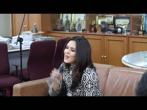 "Raisa ""Mantan Terindah"""