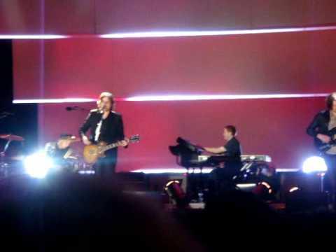 Starsailor - Tie Up My Hands (live MTV Winter Valencia 09)