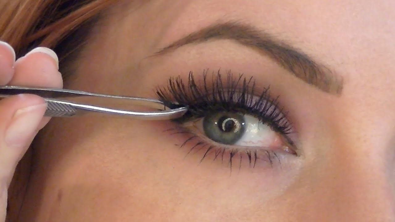 b945f14ab40 Easiest Way to Apply False Lashes (UPDATED!!) - YouTube