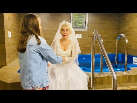 WETLOOK TOGETHER  IN POOL / WEDDING DRESS AND JEANS WITH HEELS / FULLY CLOTHED / ВЕТЛУК В БАССЕЙНЕ