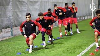 الدحيل يستعد لمواجهة السيلية في الدوري ونجوم العنابي ينضمون للتدريبات
