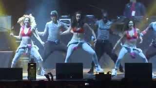 Zumba® Show au Zénith (Paris) by Alix - Reggaeton All Stars(Cours réguliers de Zumba® à Paris et évènements Web : http://www.zumbafrance.com Facebook : http://www.facebook.com/alixfitness Abonnez-vous à la ..., 2013-11-11T23:26:59.000Z)