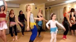 уроки восточного танца, танец живота в группе, женские практики с Анной Корбан