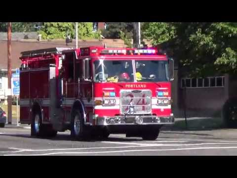 Engine 24 Responding Portland Fire & Rescue (2008 Pierce Arrow XT Pumper)