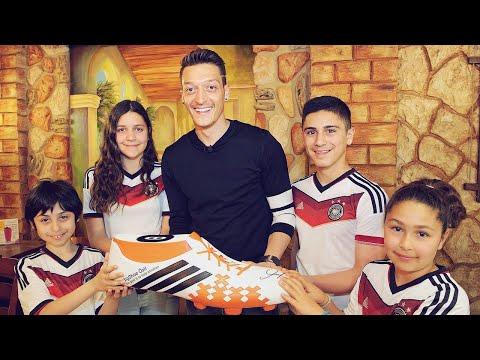 La raison pour laquelle vous devriez respecter Mesut Özil   Oh My Goal