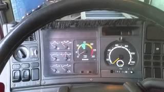 Interior da Scania R400 semi automática