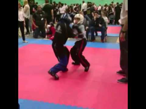 Charlie Naylor's first points fight