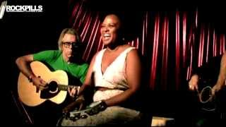 Lisa And The Lips - Troubled Mind - Acoustic - HD Video - Rockpills - The Black Lodge Sessions